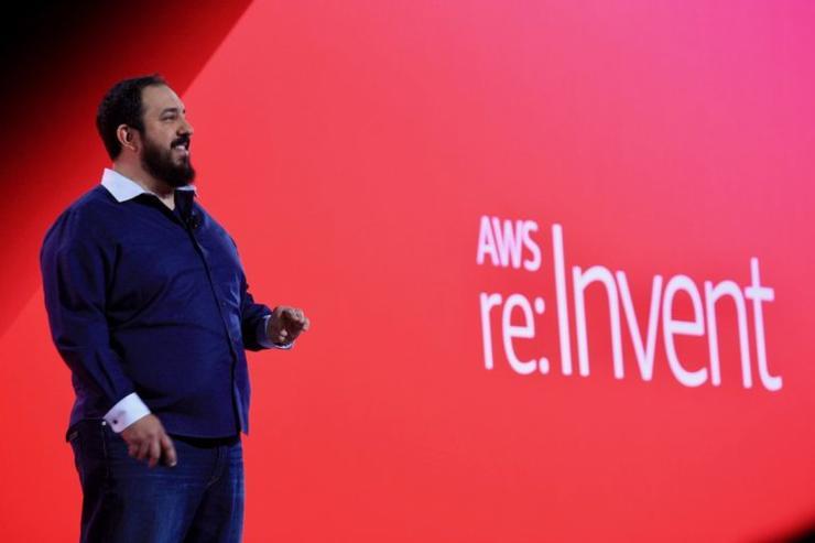 """推出RoboMaker机器人""""福利"""";推出ARM芯片驱动的云实例   AWS re:Invent首日"""