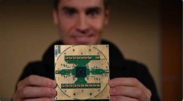 量子计算商用新的里程碑?英特尔和 QuTech 推出了用于量子计算的马岭低温控制芯片